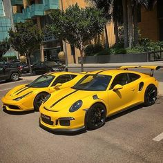 Yellow #458speciale and #991gt3rs  #ferrari #458 #speciale #porsche #gt3rs #rs #991 #911