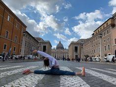 "Polubienia: 60, komentarze: 8 – julia (@_jvvlia_) na Instagramie: ""•rome 6/7• • • #rome #roma #rzym #vatican #vaticano #watykan #italy #italy🇮🇹 #wlochy #włochy…"" Louvre, Italy, Building, Travel, Instagram, Italia, Buildings, Viajes, Traveling"