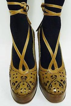 Biba - Chaussures Plateforme - Ajourées - Vernis - Années 70