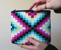 Granny Square design for this modern tapestry crochet bag.