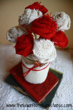 The Barefoot Seamstress: Burlap Rose Bouquet - No Sew {Tutorial} Burlap Bouquet, Burlap Flowers, Fabric Flowers, Material Flowers, Burlap Projects, Burlap Crafts, Diy Projects, Burlap Decorations, Different Holidays