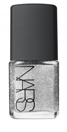 Moon Goddess Nails Tutorial http://hellogiggles.com/how-to-get-moon-goddess-nails