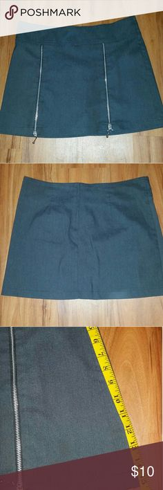 Mini skirt.  Double zipper in front. Unknown brand. 15 inch length. 33 inch waist. Unknown   Skirts Mini