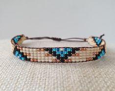 Suusjabeads Handmade beaded bracelets and earrings by Suusjabeads Bead Loom Bracelets, Woven Bracelets, Beads Jewelry, Jewelry Shop, Festival Bracelets, Swarovski, Bohemian Bracelets, Loom Beading, Bead Weaving
