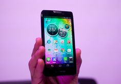 The Motorola Droid Razr Maxx HD offers fast performance, a big eye-popping screen, and luxurious design. It also has great call quality, lots of storage, 4G data speeds, and unbeatable battery life.