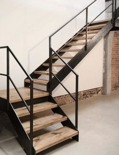 Stair Railing Design, Home Stairs Design, Open Staircase, Staircase Railings, Steel Stairs, Exterior Stairs, Outdoor Stairs, Modern Stairs, House Stairs