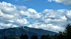 Warmbad Villach 💚 Mount Rainier, Mount Everest, Mountains, Nature, Travel, Warm Bathroom, Villach, Clouds, Places
