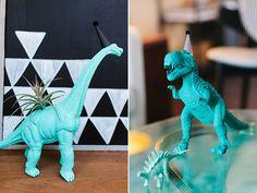 Love this - Modern dinosaur 2nd birthday by Jennifer Laura Design | Kristen Curette Photography | 100 Layer Cakelet