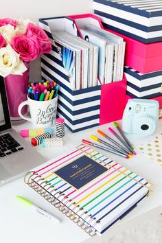 Keeping desks organized using folders, filing systems, desk organizers will make your employees happier - paper= stressed. 5 Surprising Effectives of Office Decor -->