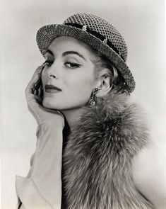 carmen oldest model   Top Fashion Models of All Time, and Their Timeless Appeal   FurInsider ...
