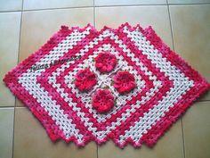 tapete em crochê com flores !