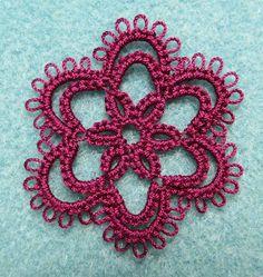 Stitches of Life II: Tatted motif Needle Tatting, Tatting Lace, Needle Lace, Tatting Earrings, Crochet Earrings, Irish Crochet, Knit Crochet, Tatting Patterns, Bobbin Lace