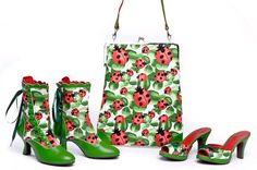 Ladybug shoes, so cute. and the bag!!!!!