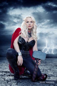 Thor #cosplay #Rule36