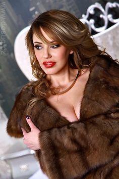 Elvira,sable fur