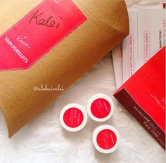 Vlogger Kalei is excited about her Vain Kit Test Drive! #natural #crueltyfree #package #love #mail #box #vainpursuits #vainbox #skincare #skin #surprise  http://www.vainpursuits.com