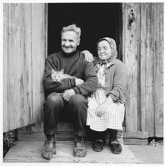 (photo by Ismo Hölttö) Finland Old Photos, Vintage Photos, Elderly Couples, Growing Old Together, All Themes, Still In Love, Cat People, Character Inspiration, Old Things