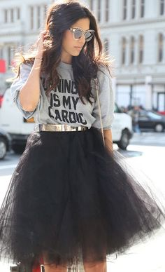 Street style | Grey graphic sweater, black tulle skirt