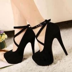 Black Pumps <3