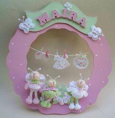 Wooden wreath by zezemacule Name Crafts, Felt Crafts, Fabric Crafts, Diy And Crafts, Felt Doll House, Mobiles For Kids, Wooden Wreaths, Felt Wreath, Felt Baby