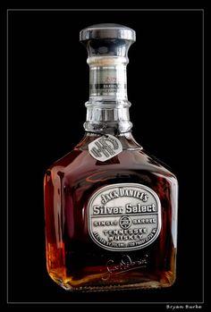 Jack Daniel's Silver Select Retour de New York Déc 2014 Whiskey Girl, Cigars And Whiskey, Scotch Whiskey, Bourbon Whiskey, Whiskey Bottle, Tennessee Whiskey, Whisky Jack Daniels, Jack Daniels Bottle, Alcohol Bottles