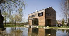 Une maison en bois simple et écologique par Mimosa Architecture