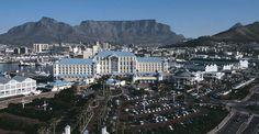 La Table Bay Hotel est magnifique, à cheval sur la digue antique avec un style qui est à la fois innovateur et entièrement en accord avec son environnement.