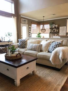 Impressive Farmhouse Living Room Ideas and Best 25 Farmhouse Family Rooms Ideas On Home Design Cozy Living Modern Farmhouse Living Room Decor, Chic Living Room, Cozy Living Rooms, Home Living Room, Living Room Designs, Rustic Farmhouse, Farmhouse Style, Rustic Chic, Modern Living
