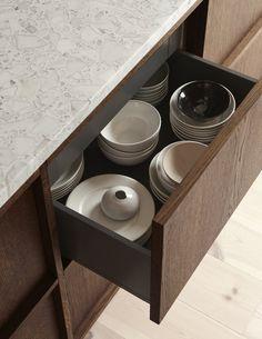 A minimal kitchen in oak and terrazzo - september edit Nordic Kitchen, Minimal Kitchen, Scandinavian Kitchen, Kitchen Living, New Kitchen, Scandinavian Design, Rustic Kitchen, Kitchen Modern, Terrazzo
