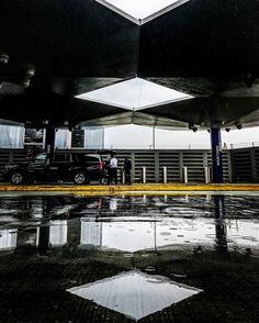 An awesome Virtual Reality pic! there are eyes that will turn your world upside down that will teach you to fly without ever leaving the ground .  Moved by @axiom.attic while catching #skylights in #reflection at #JFK #what_i_saw_in_nyc #nycstreetphotography #puddle #curbside #symmetry #URBANROMANTIX #artofvisuals #darknessandlight #rain  #raindrops #puddle #wet .  #VirtualReality by vir2ualreality check us out: http://bit.ly/1KyLetq