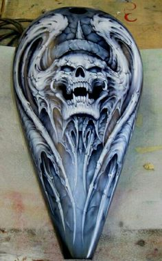 Want this molded out of filler for Motorcycle Paint Jobs, Motorcycle Tank, Airbrush Designs, Airbrush Art, Air Brush Painting, Car Painting, Pinstriping, Custom Harleys, Custom Bikes