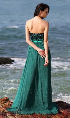 Embroidered emerald evening dress formal gown! #edressit #formal_dress #evening_gown #fashion
