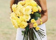 """春を先取り♡少女っぽい""""黄色のバラ""""のブーケで明るくHappyなウェディング♡のトップ画像"""