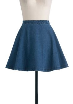 Circle Skirt of Friends. Your wardrobe will get along famously with this chic, denim circle skirt! Urban Fashion, 90s Fashion, Dress Skirt, Dress Up, Textiles, Pin Up Dresses, Vintage Skirt, Modcloth, Skirt Fashion
