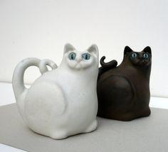 White Cat Ceramic Cat Cat Sculpture by jorgemealha on Etsy, €52.50