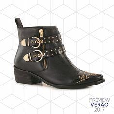 WEBSTA @ santa_lolla - PREVIEW VERÃO 2017 Vai ter bota no Verão, sim! Novidade maravilhosa com spikes e fivelas para combinar com shorts e vestidinhos leves. • R$489,90 | Ref: 8407.0ABA.0078.00AA • #santalollaverao17 #novidade #boots