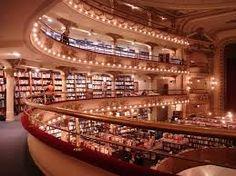 "Livraria ""El Ateneo"" em Buenos Aires, localizada onde antes funcionava um teatro"