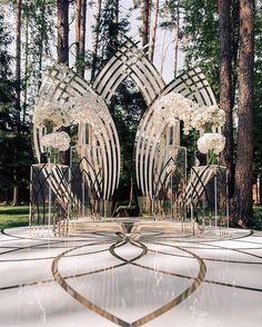 We love taking you to Russia fairies, the land where creativity has no limits! Just look at this ceremony WOW! - Decor @mezhdu_nami_ Planner @gorlanova_event Photo @liliya_gorlanova #wedding #bride #bridetobe #russia #inspo #art #love #engaged #weddedwonderland