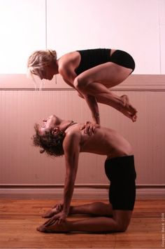 Acro yoga~ couples.