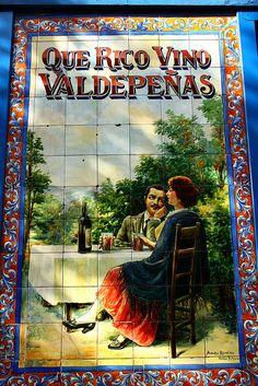 Azulejos Bodega Rosell. Calle General Lacy. Madrid, España