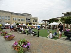 Midtown Farmers' Market - a seasonal market located in Raleigh's North Hills shopping center. Open Saturdays 8 am to noon!
