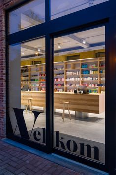 Imagine a new pharmacy design concept, in which customers would feel positive about spending time in. Here is the Van Dijck Pharmacy in Belgium. Pharmacy Design, Retail Design, Elderly Home, Healthy Filling Snacks, Shop Organization, Healthy People 2020 Goals, Shop Window Displays, Dezeen, Home Jobs