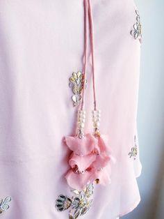 Powder Pink 'Gota Patti' Cape Top Tassels - LabelKanupriya Saree Tassels Designs, Saree Kuchu Designs, Blouse Designs, Shadi Dresses, Cape Pattern, Pink Saree, Hand Embroidery Designs, Powder Pink, Xmas Crafts