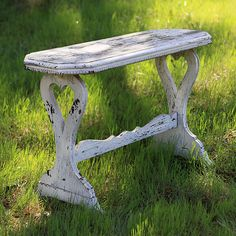 Macy-Creamy Small Table with Heart in Legs