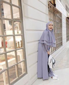 Muslim Women Fashion, Islamic Fashion, Abaya Fashion, Fashion Outfits, Moslem Fashion, Hijab Dress Party, Niqab, Casual Hijab Outfit, Muslim Dress