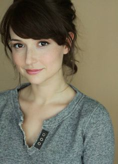 Milana Vayntrub is known for playing Lily Adams in AT&T television commercials. We found the hottest photos of AT&T 'Lily' actress and all the must-see details Milana Vayntrub. Beautiful Celebrities, Beautiful Actresses, Most Beautiful Women, Pretty Woman, Pretty Girls, Cute Girls, Squirrel Girl, Hottest Photos, Supermodels