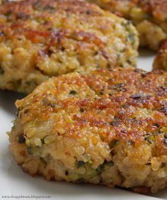 These Cheesy Quinoa and Broccoli Patties are delicious; crispy on the outside and soft and chewy on the inside!