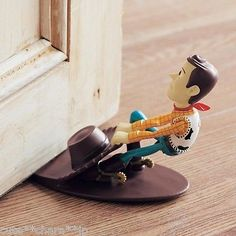 Japan-0176-Disney-Store-Woody-the-doorstop-Toy-Story-cool