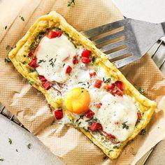 Met eieren kun je heel veel leuke recepten maken, zoals deze ei-pizza.