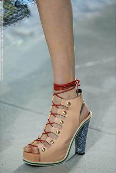 c3ffed8e9d9 24 meilleures images du tableau Chaussures françaises